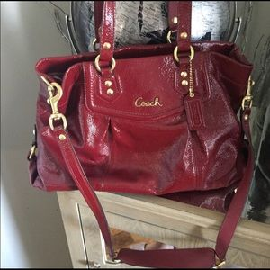 🎄COACH Purse Patent Leather (serial #) Red Purse